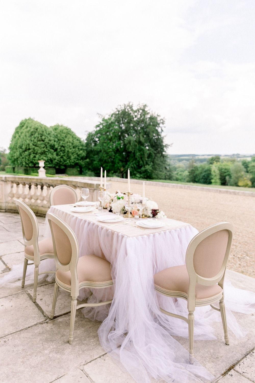 What it would look like if you got married at a french château