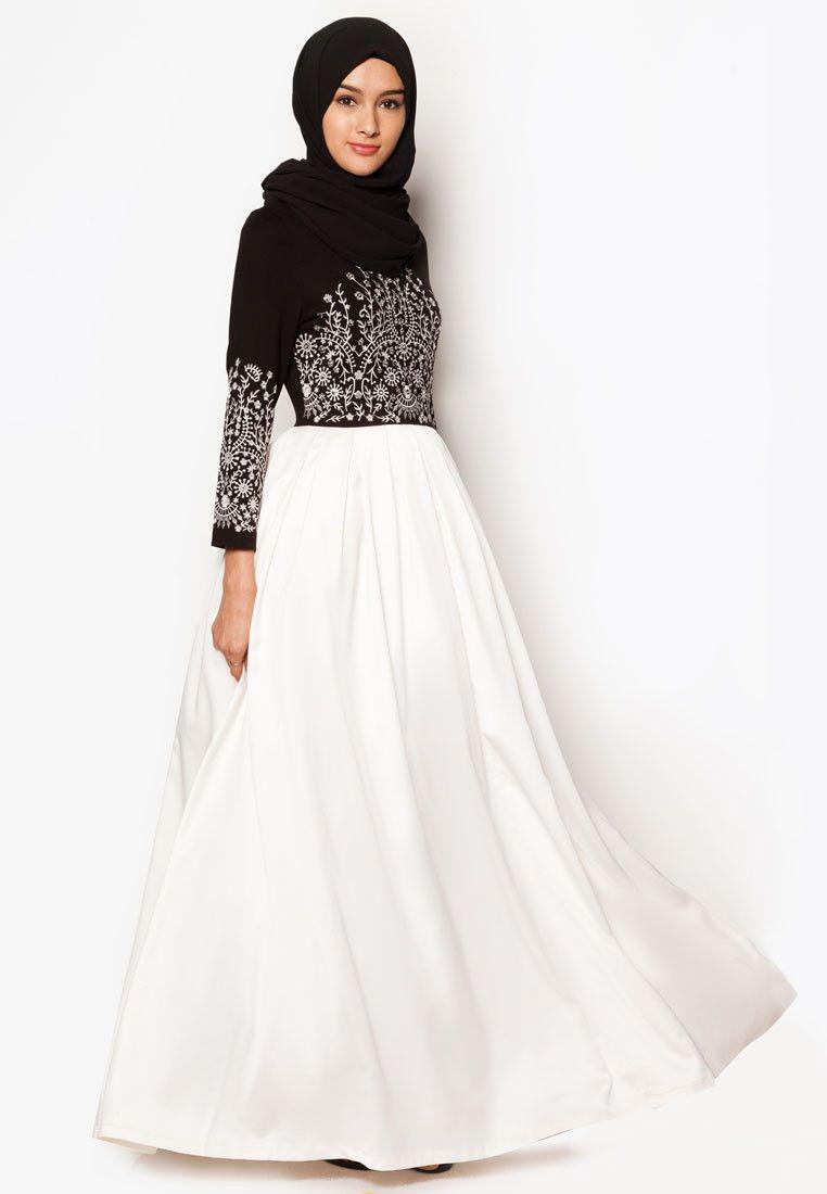 bc9e8fcefbe Zalia Embroidered Maxi Dress I Beli di ZALORA Indonesia ®