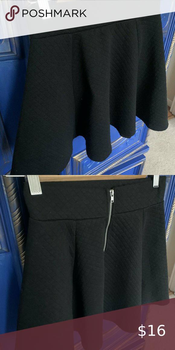 💜 H&M Black Diamond Print Mini Skirt Size XS