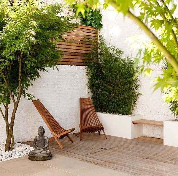 kleiner-Innenhof-einrichten-Ideen-Bäume-niedrig-Pflanztöpfe-Buddha - outdoor patio design ideen