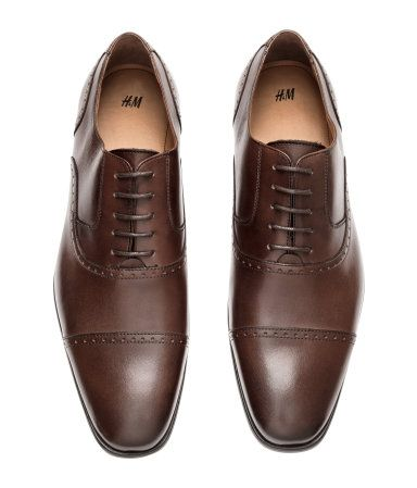 Premium quality oxford shoes in dark brown leather.  913d9ab2c5bc