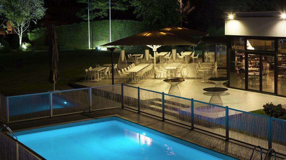 H tel avec piscine deux pas de disneyland marne la - Hotel avec piscine seine et marne ...