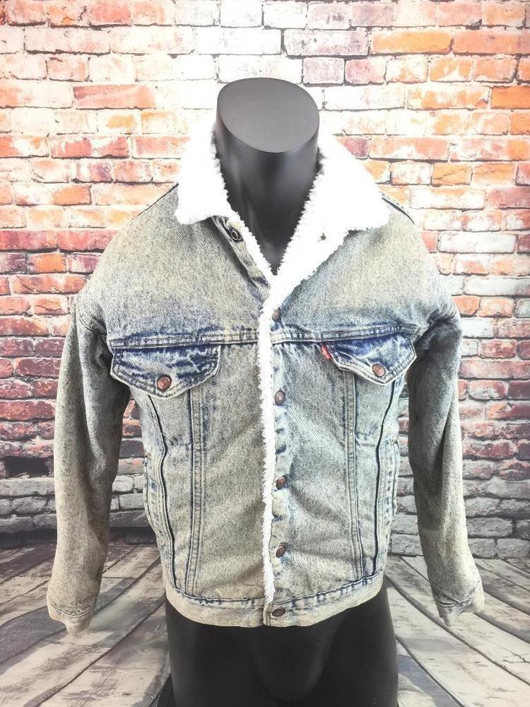 c2ebb7a55b6354 Levi's vintage acid wash sherpa lined denim trucker jean jacket size XS USA  #Levis #BasicCoat #vintagelevis #levistruckerjacket #Sherpa #fashion #style  ...