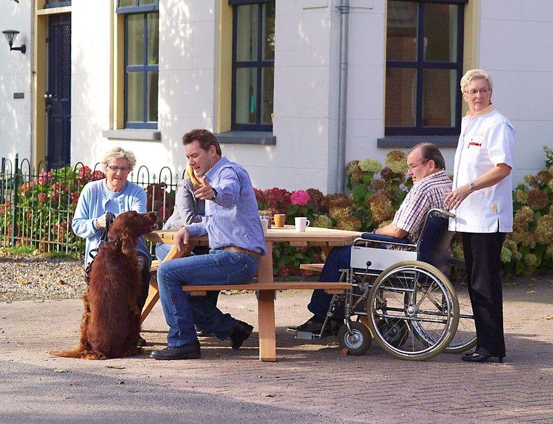 rolstoel aan tafel - Google zoeken