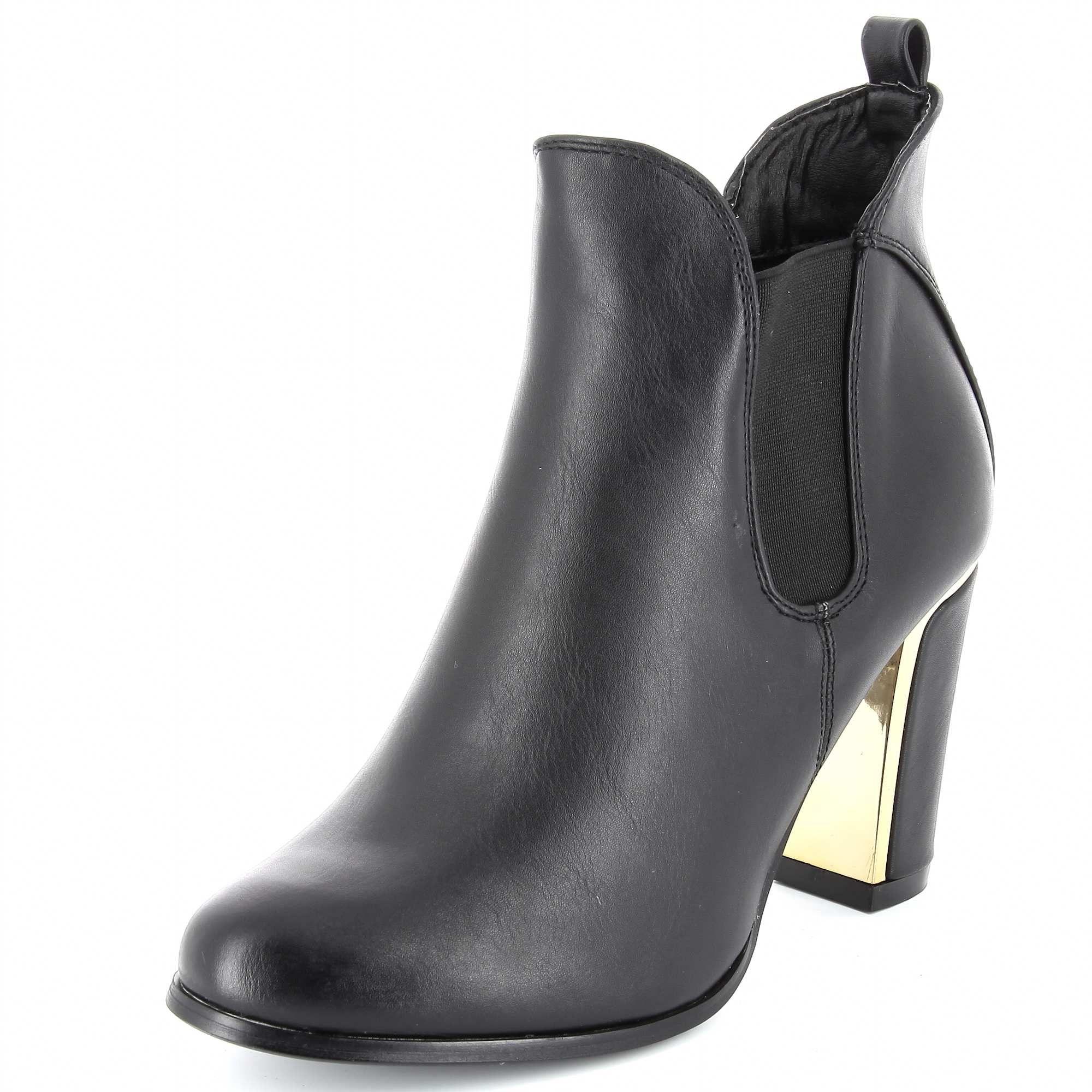 b929cd414 Boots à talons avec détail métallique … | MODE | Boots…