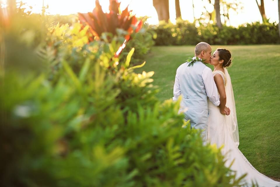 "Tropical Wedding ""I do"" - Maui, Hawaii Hotel Outdoor Wedding - Anna Kim Photography"