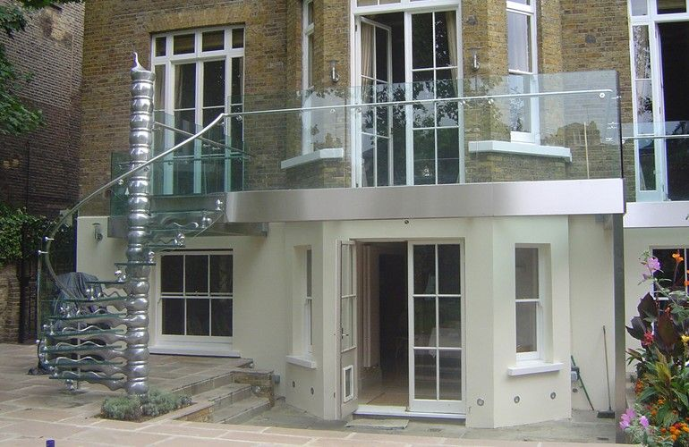 Best Outdoor Balcony Staircase In Cast Aluminium With Glass 640 x 480