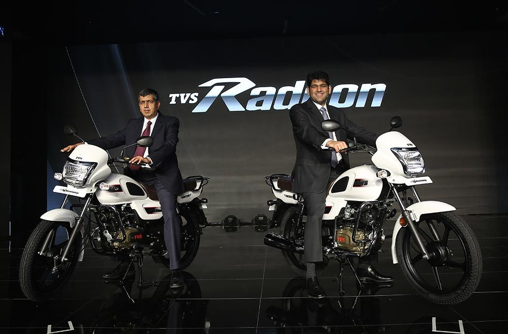 Tvs Radeon First Commuter Bike To Get Mobile Charging Feature