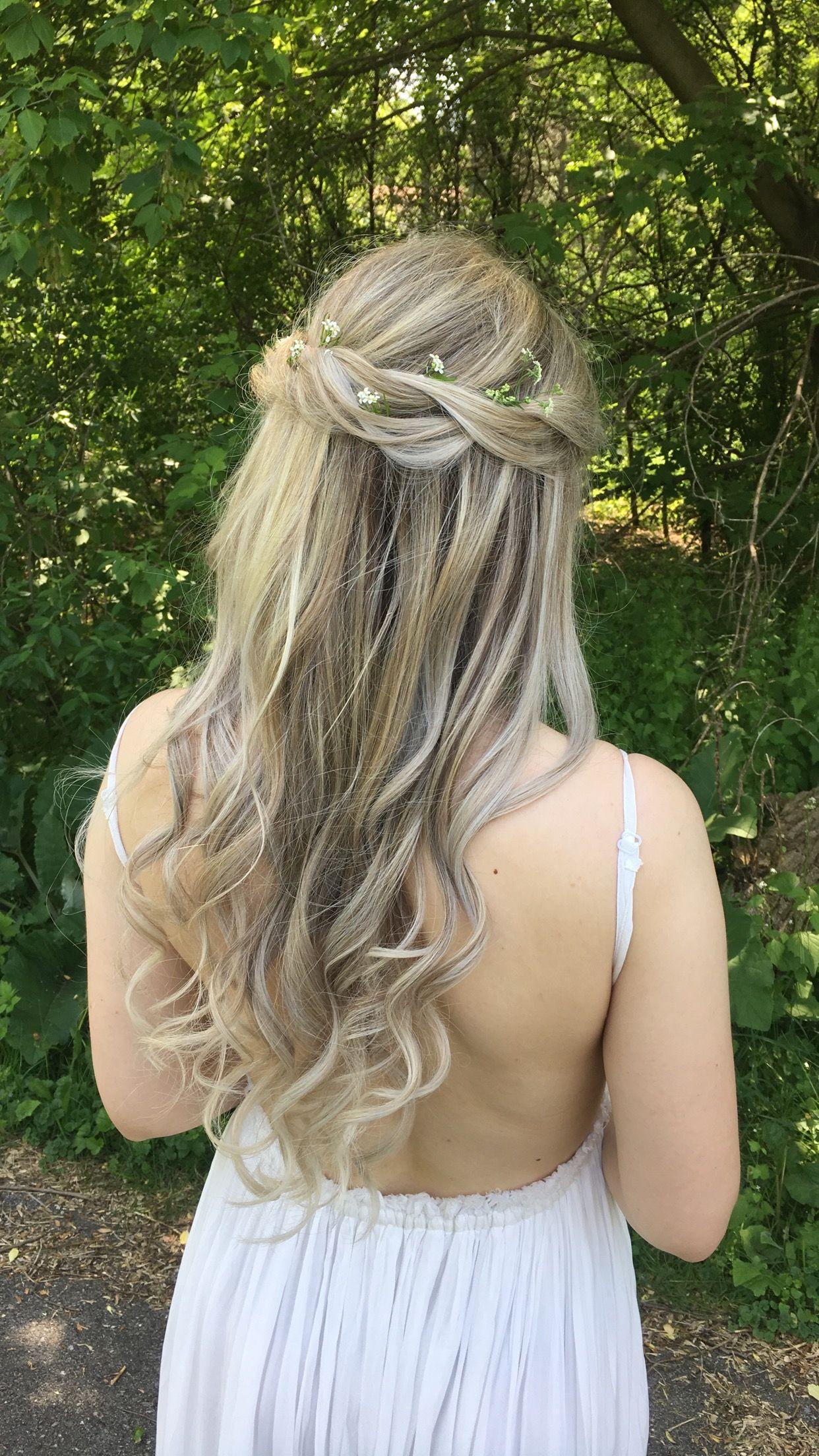 Bride half up half down curls blonde hair hairstyle haircut bride