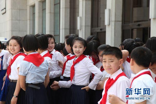 north-korea-school-girls-01.jpg (600×400) | North Korea ...