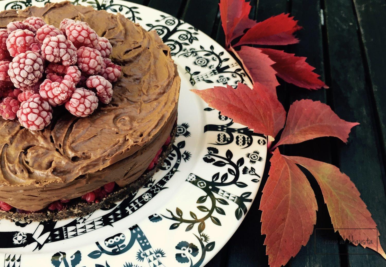 Suklaa-vadelmaraakakakku