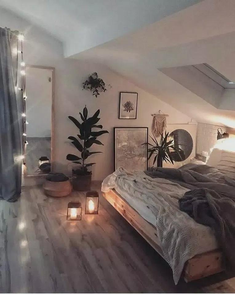36 Diy Cozy Small Bedroom Decorating Ideas On Budget Cozybedroom Bedroomdesign Bedroomideas Beautiful House Cozy Small Bedrooms Interior Design Living Room Minimalist Bedroom
