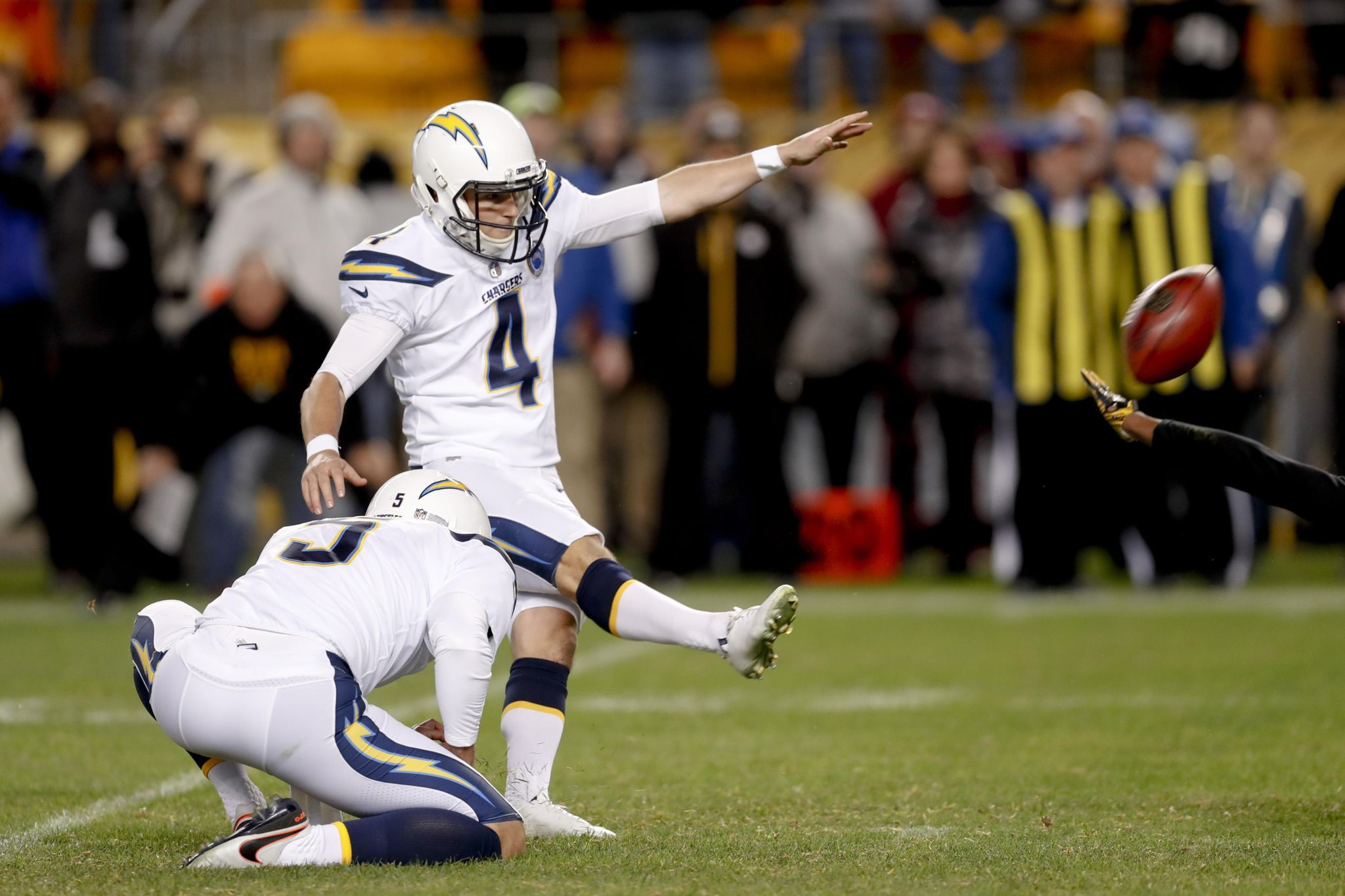 Steelers Lose Biggest Lead Ever At Home In Loss To Chargers Nfl Steelers Nfl Football Games