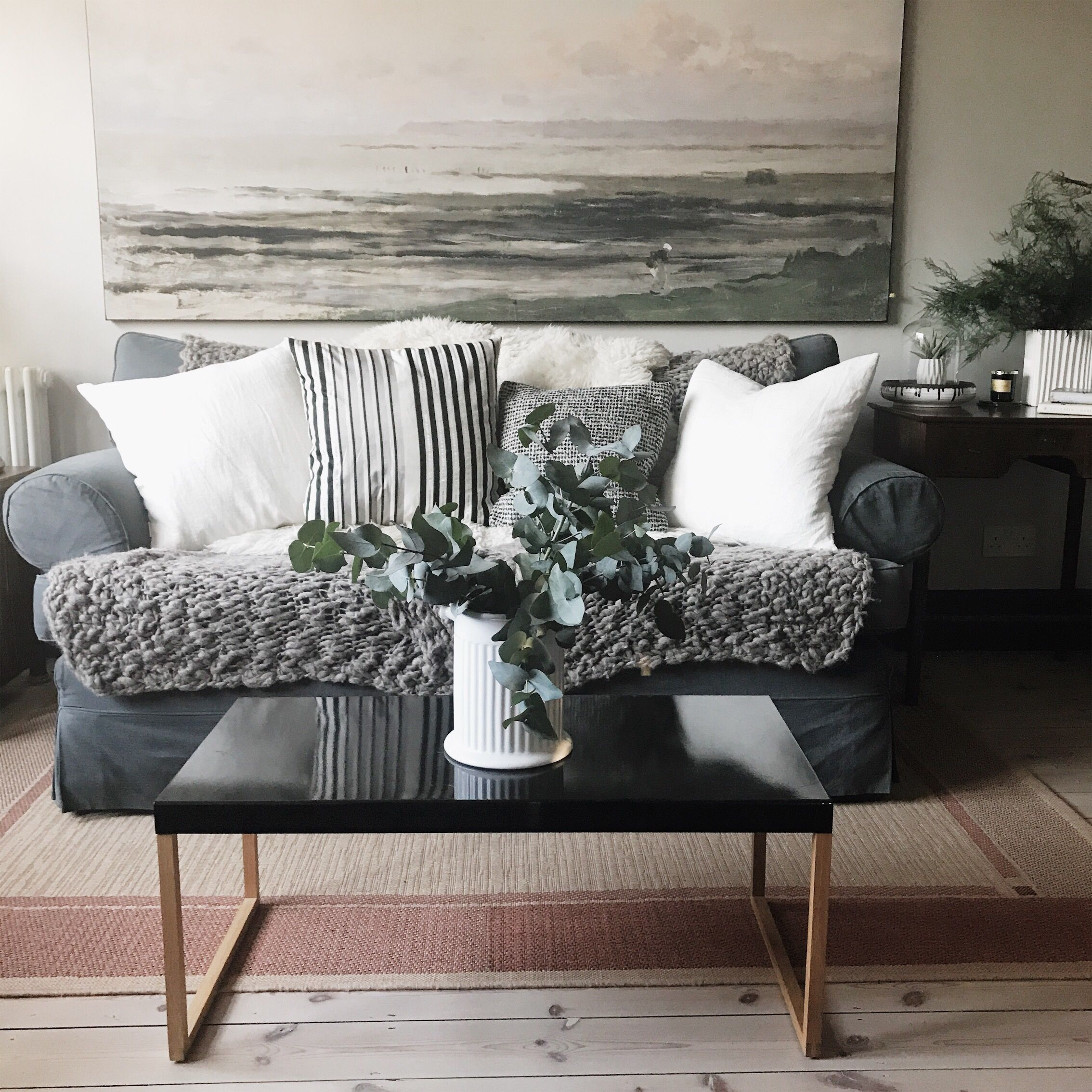 A great (and inexpensive) way to update a room, is to
