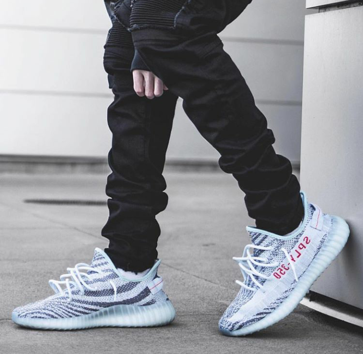 stunning outfit for yeezy blue tint shoes