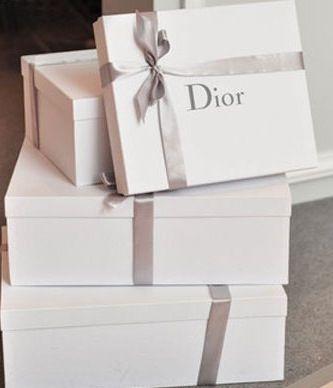 White Christmas gift box (DIOR) :)   Winter time...   Pinterest ...