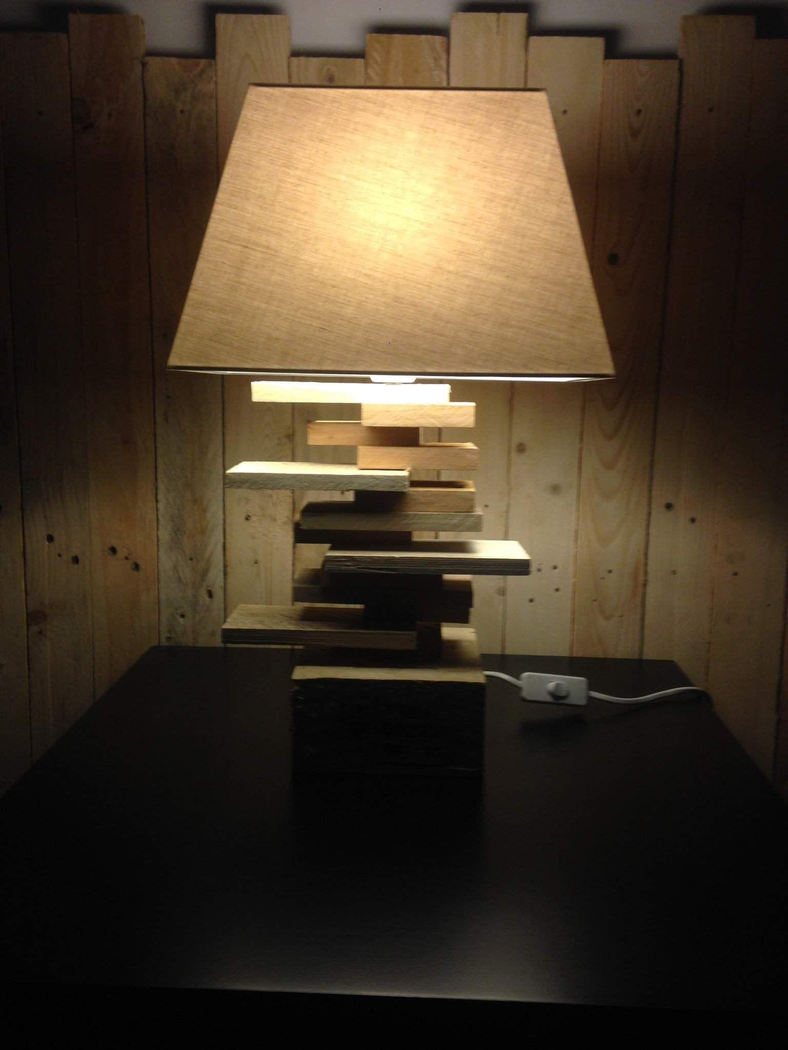 Lamp For A Side Table Lampe De Chevet 1001 Pallets Pallet Home Decor Lamp Decor