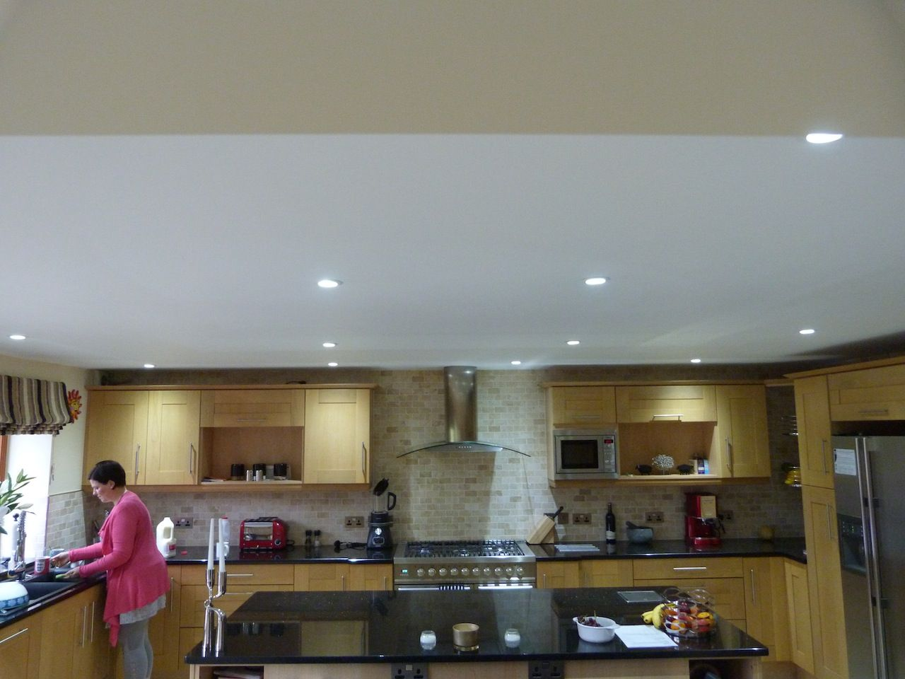 Recessed cool white LED downlights #lighting #kitchen http://www ...