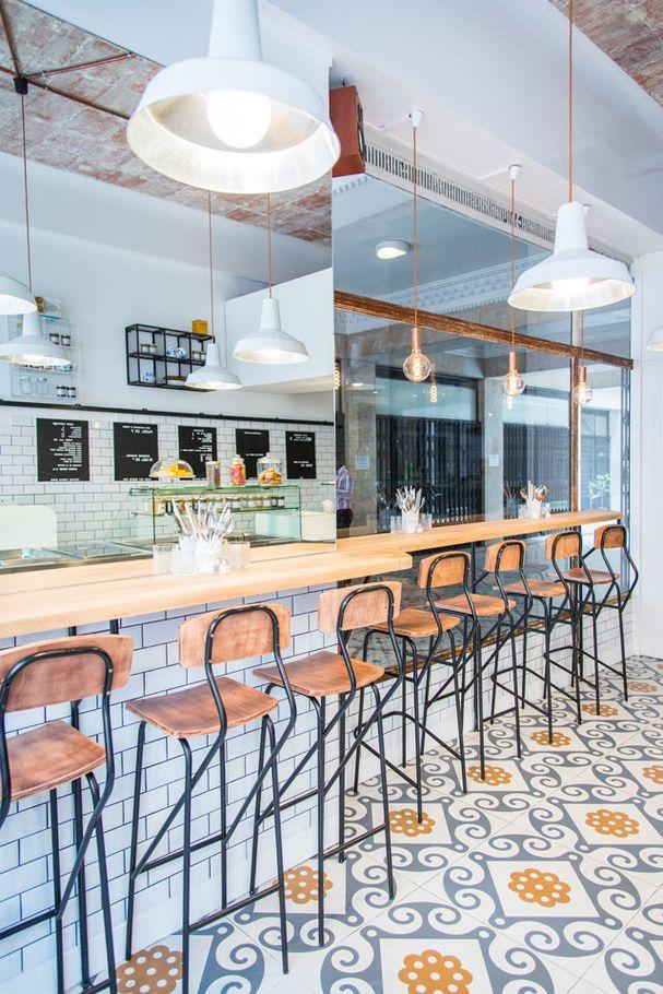 10 adresses qui nous font aimer l automne 2015 paris mobilier urbain uniq restaurant caf. Black Bedroom Furniture Sets. Home Design Ideas