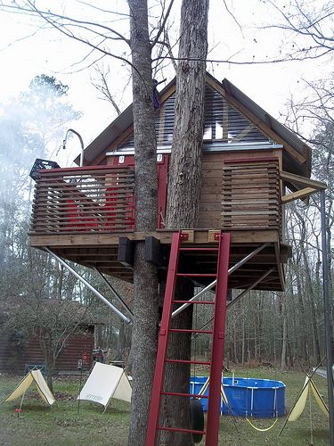 Sky Barn Dream Treehouse Tree House Traditional Exterior House Styles