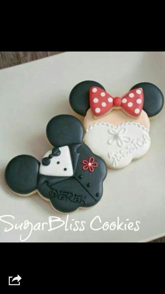Mickey & Minnie Mouse wedding cookies.