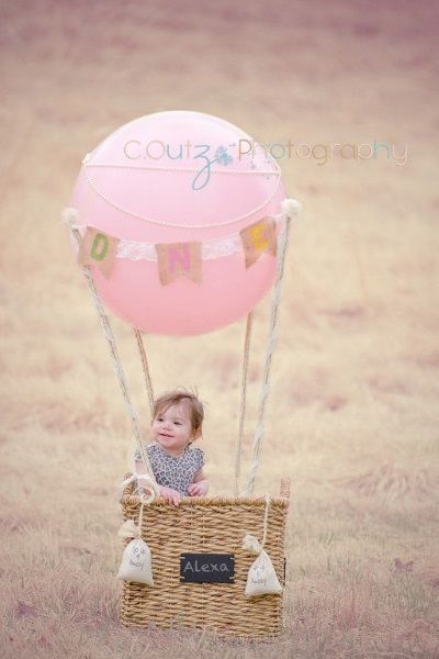 Hot Air Balloon Photo Invitation Ideas These are cute pictorial ideas for baby's first birthday invitation. Really adorable, moms and dads would surely melt seeing their cute kid posing.