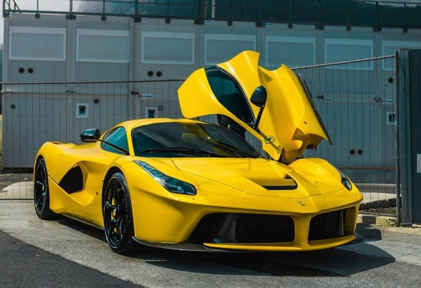 Pin by Phil Thomas on Luxury cars Exclusive cars, Cars