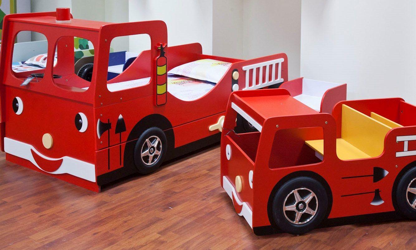 Muebles infantiles cama infantil cami n de bomberos y pupitre escritorio funky fire for Escritorio infantil