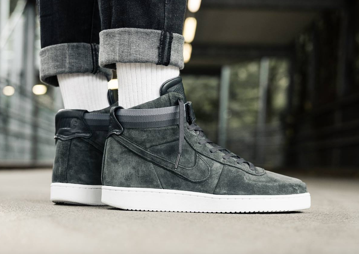 John Elliott x Nike Vandal High Anthracite