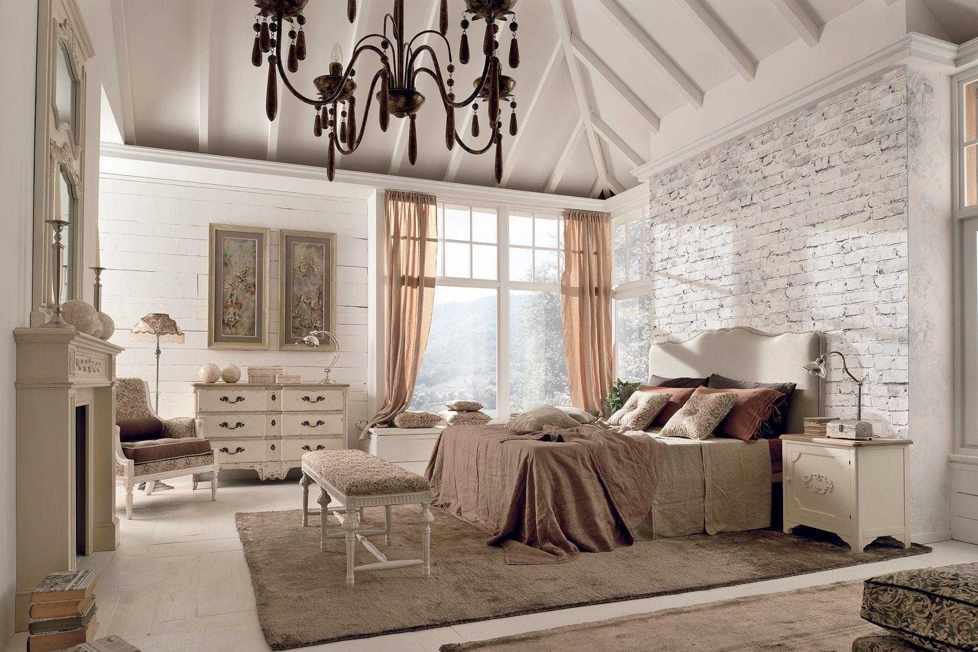 Qui troverai mobili shabby chic di ogni genere: Pin Di Roberta Su Spalni Bedrooms Salotto D Epoca Decorazione Shabby Chic Idee Per Decorare La Casa