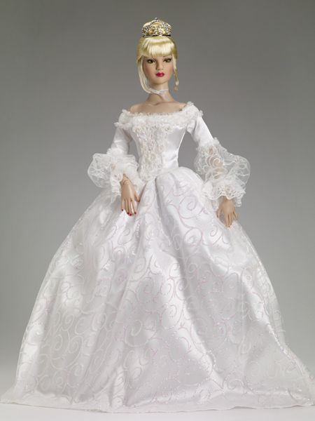 """#pinned The Glass Slipper Outfit - Expected to arrive 5/2 - Tonner 22"""" American Models $249.99 #dollchat ^kv"""
