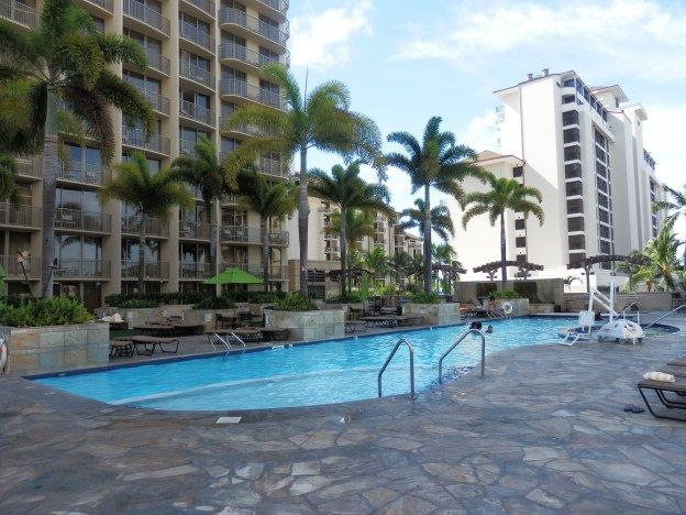 Hotel Review Of The Embassy Suites Waikiki Beach Walk In