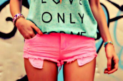 neon pink shorts.♡