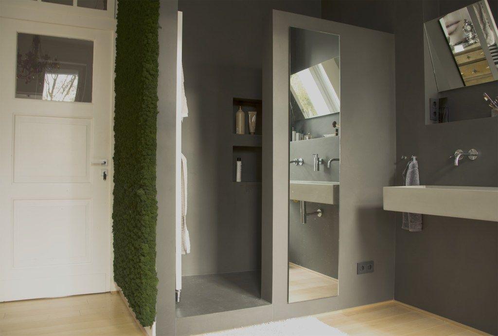 Dusche In Wasserfestem Putz In Betonoptik Beton Badezimmer Fugenlose Dusche Betonoptik