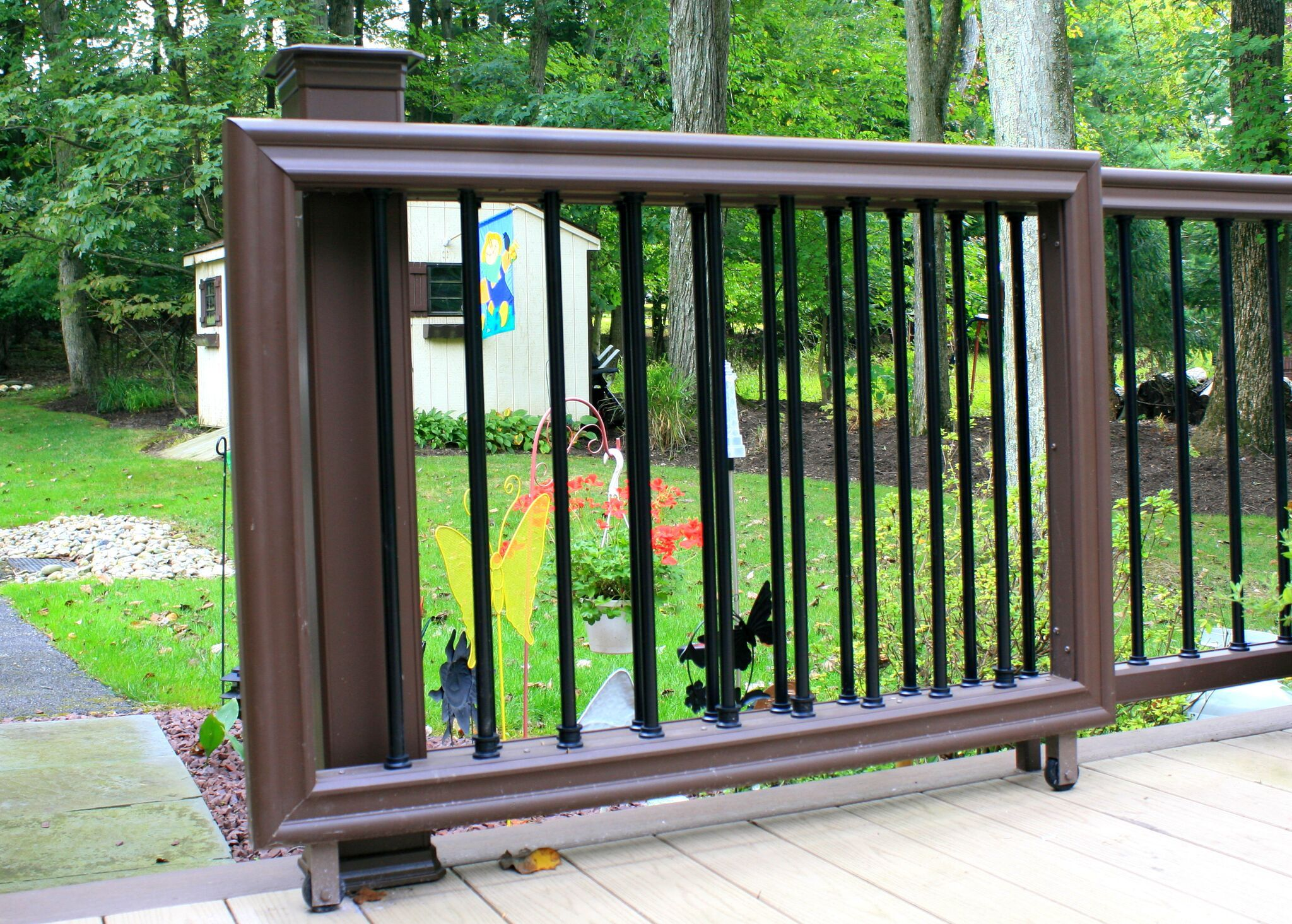 Sliding Wood Deck : In addition to decks and pergolas we can also build a