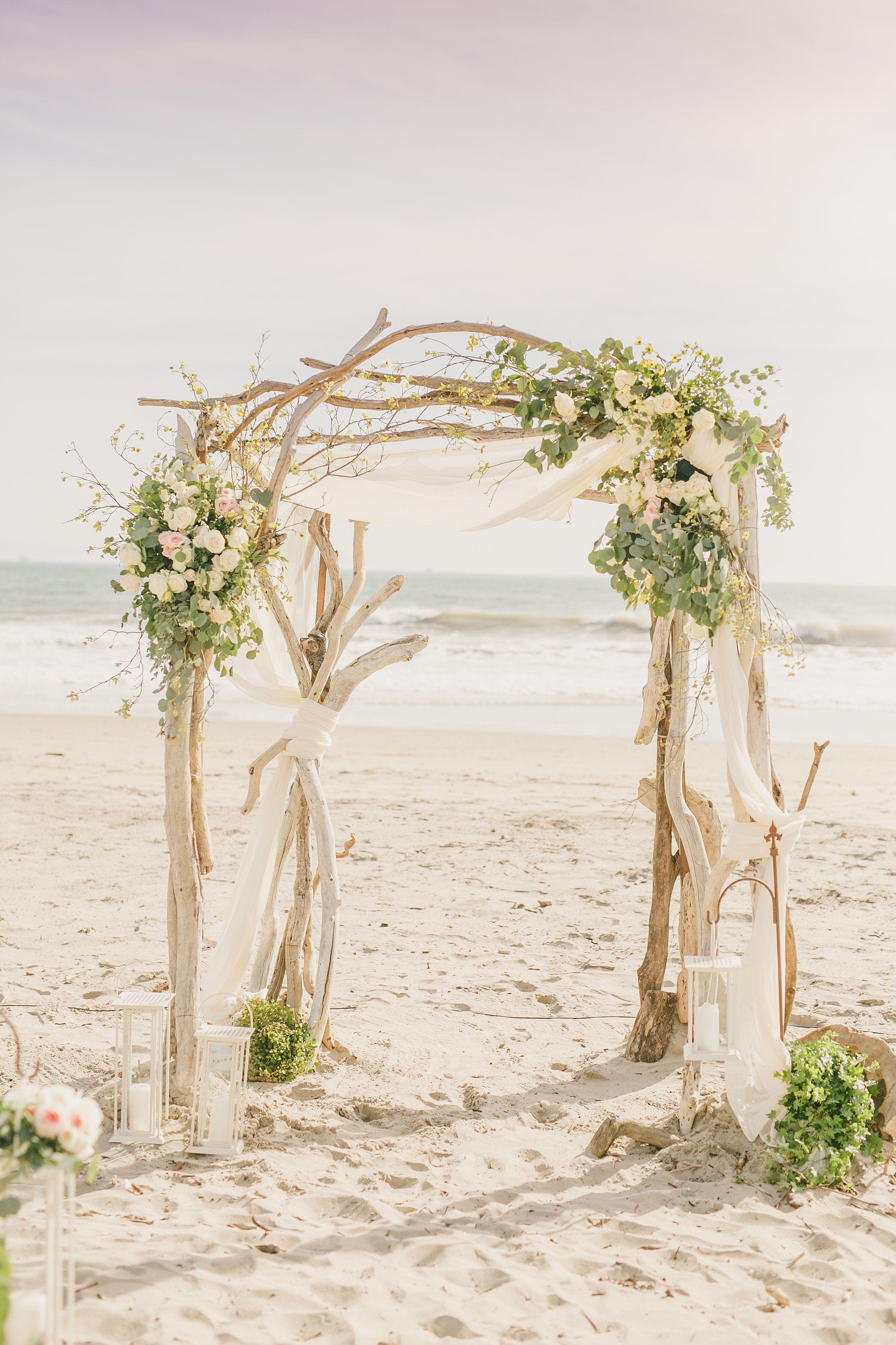 Ceremony Arch Idea For Beach Wedding Romantic Driftwood Wedding Arch Beach Wedding In Carpinteria Beach Wedding Arch Beach Wedding Photos Beach Theme Wedding