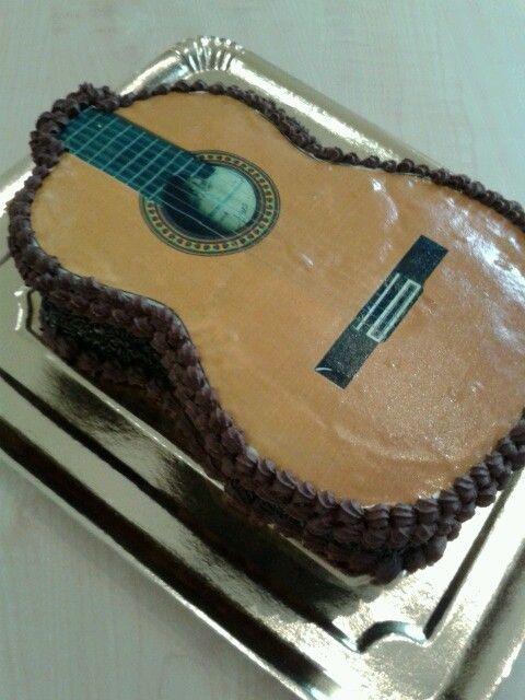 Tarta guitarra  www.pastisseriachic.com