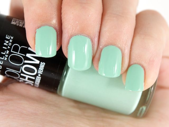 Maybelline Color Show Nail Lacquer in Green With Envy
