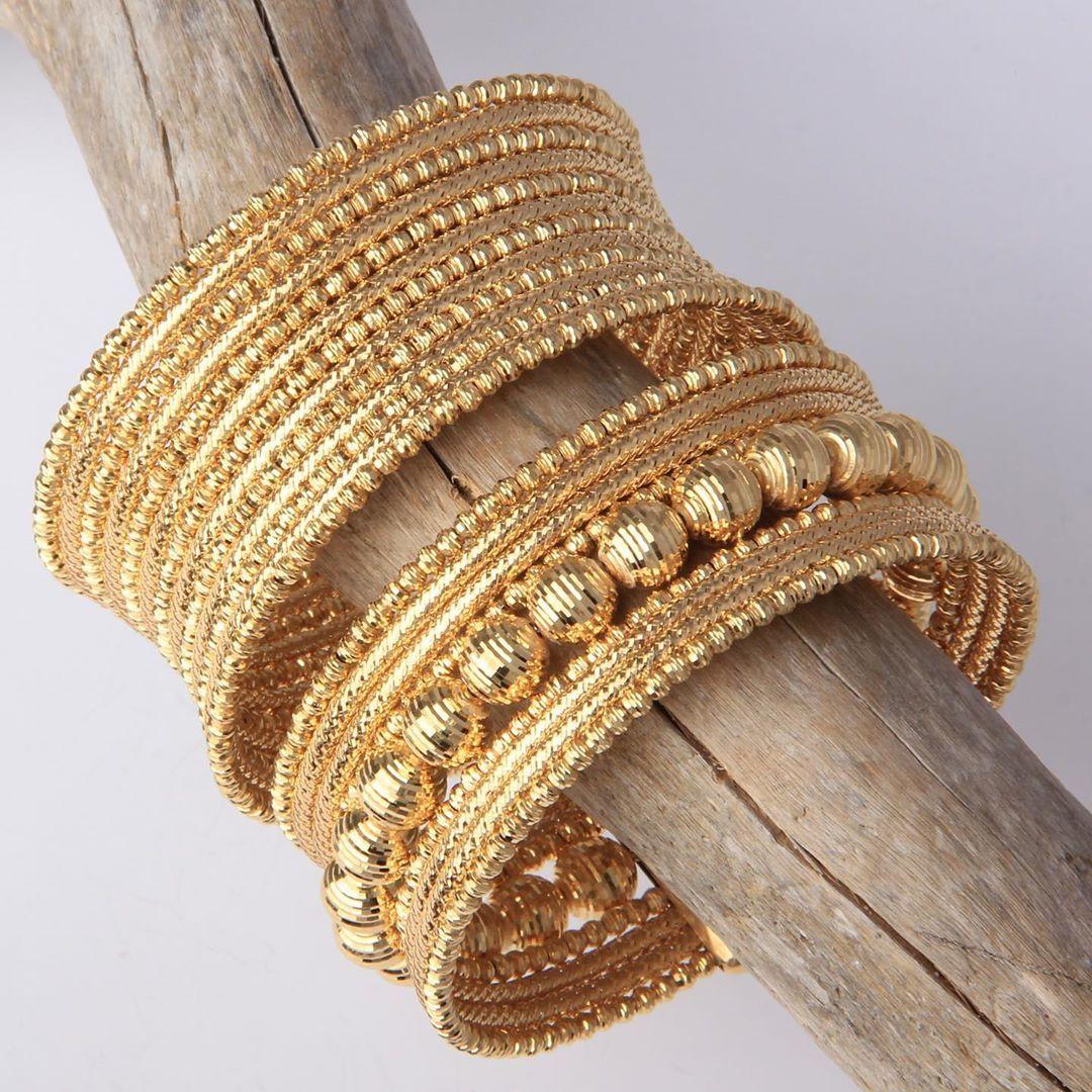 كولكشن اساور حجم كبير و ثقيل من ماسة دوريكا كولكشن ذهب صافي عيار ٢١ الشحن مجاني لجميع انحاء المملكه للطلب و التسعير و الاستفس Bangles Gold Jewelry