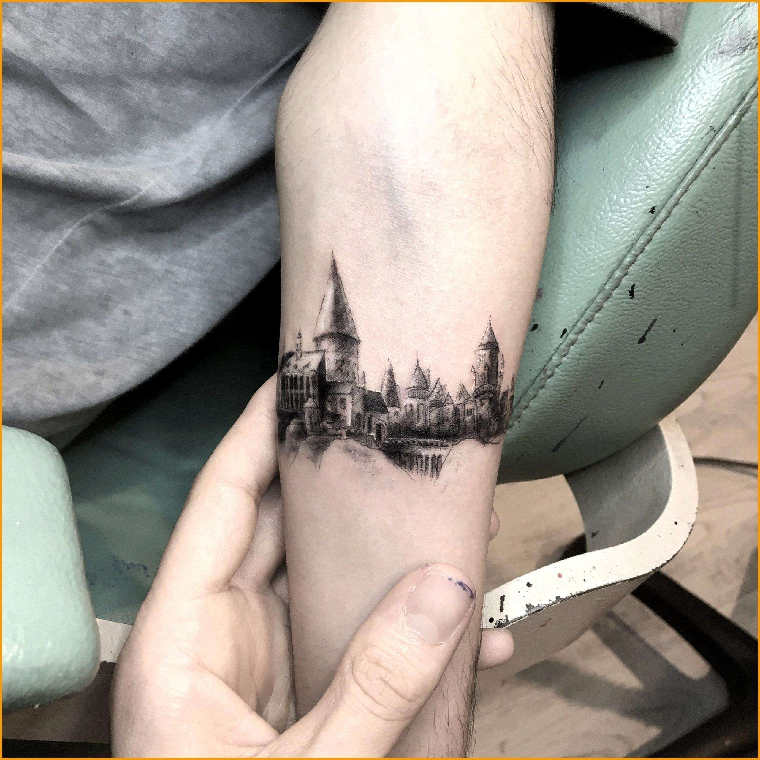 Hogwarts Tatowierung Harry Potter Tatowierung Hogwarts Tatowierung Harry Potter Tatowierung Hogwarts Tattoo Harry Potter Tattoos Harry Potter Tattoo Small