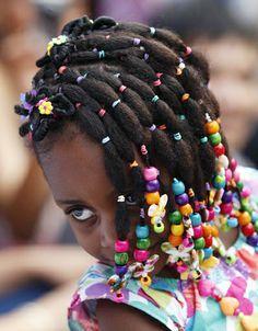 #colombianhairstyle #colombiangirls #puffponytails #cornrows #braidsandbeads #braidpattern #twehnaturalhair #cando #detroithair