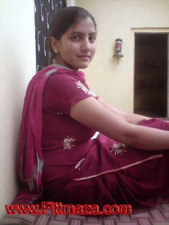 Sex Ki Bhuki Desi Girl With Tight Ass Wali Naked Photos