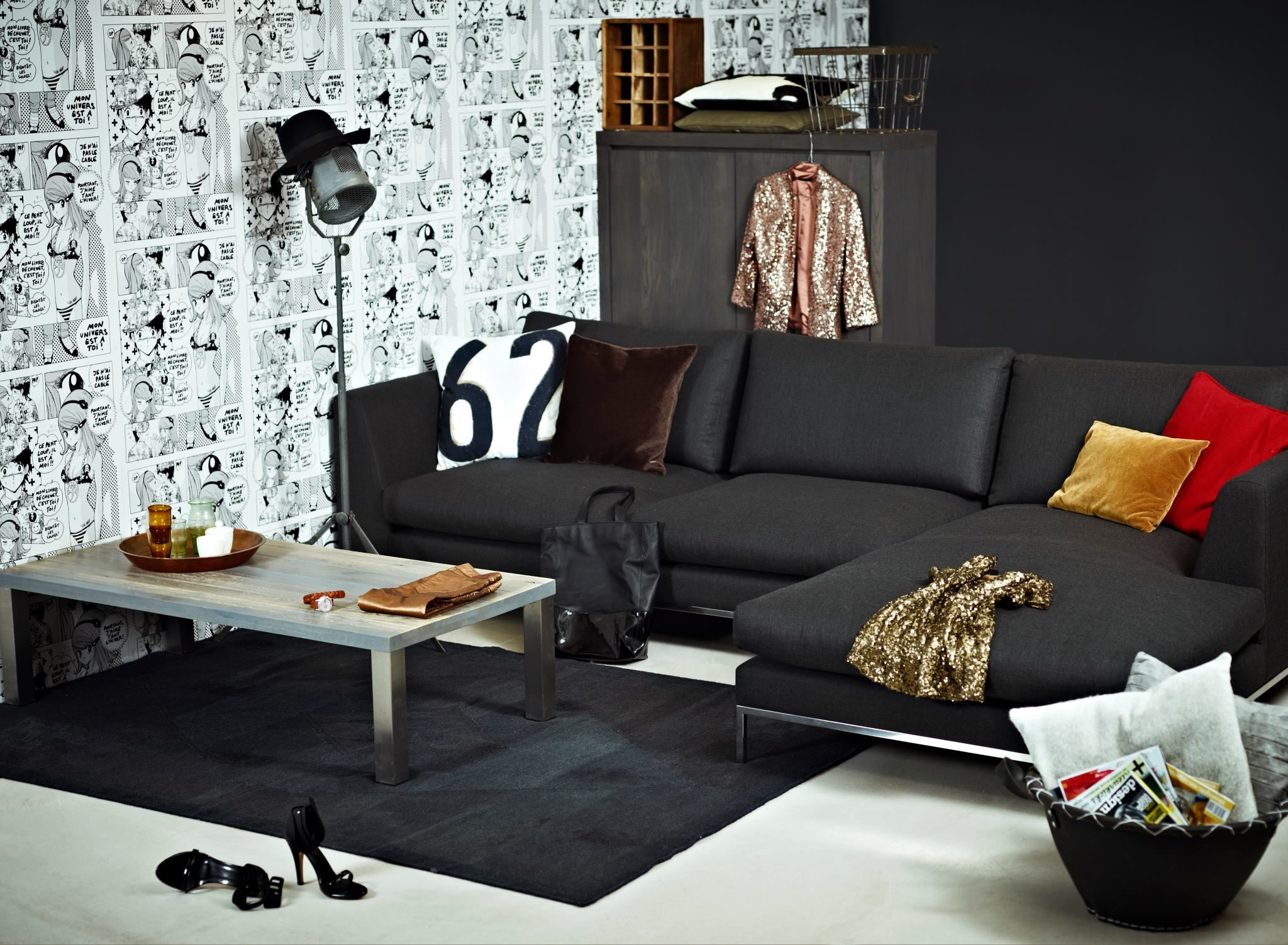 Modern living room with corner sofa byCOCOON COCOON Dutch