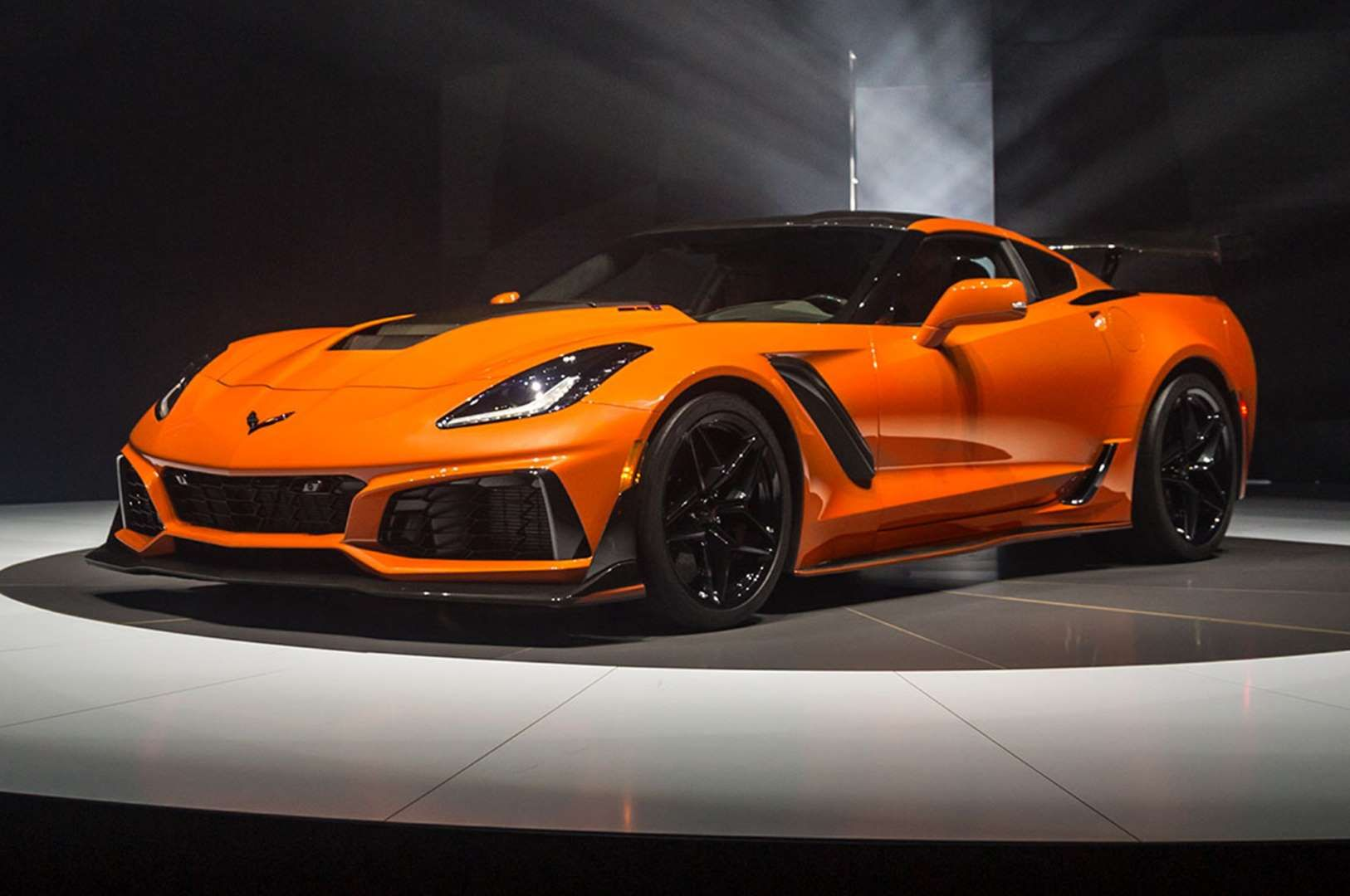 2019 Chevrolet Corvette ZR1 front side view on stage Motor