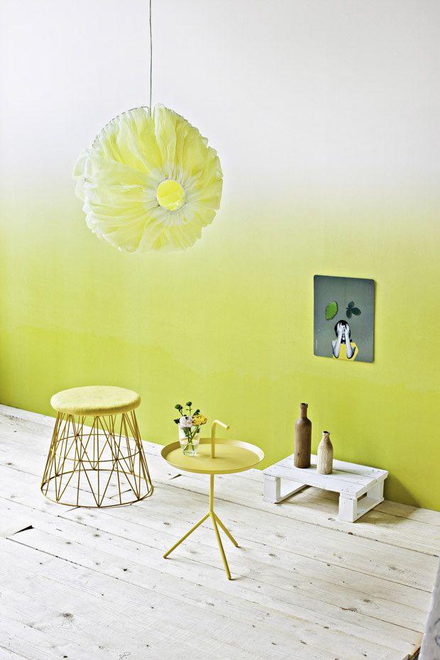 Ombré-LookGelb-Grün geht sanft über in Weiß #KOLORAT #streichen - wohnzimmer gelb grun