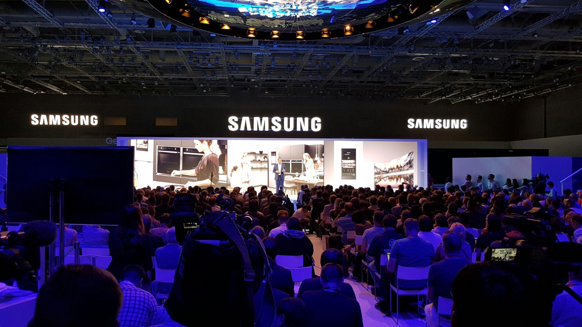 IFA 2016: Samsung mostra o futuro das TVs e dispositivos eletrônicos - http://www.showmetech.com.br/ifa-2016-samsung-mostra-o-futuro-das-tvs-e-dispositivos-eletronicos/