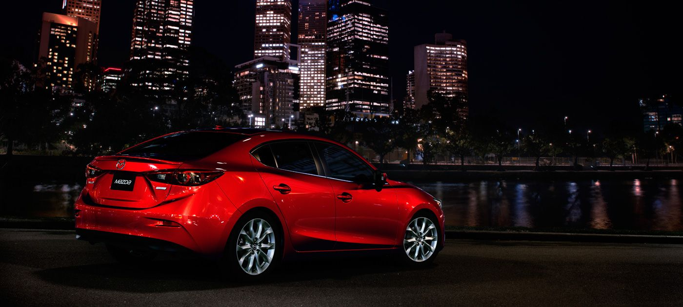 The 2016 Mazda3 features sophisticated SKYACTIV TECHNOLOGY