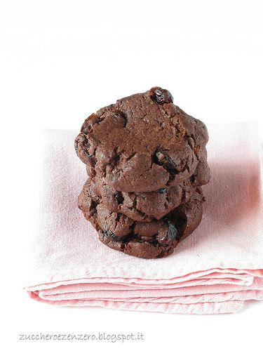 Dark cranberry cookies
