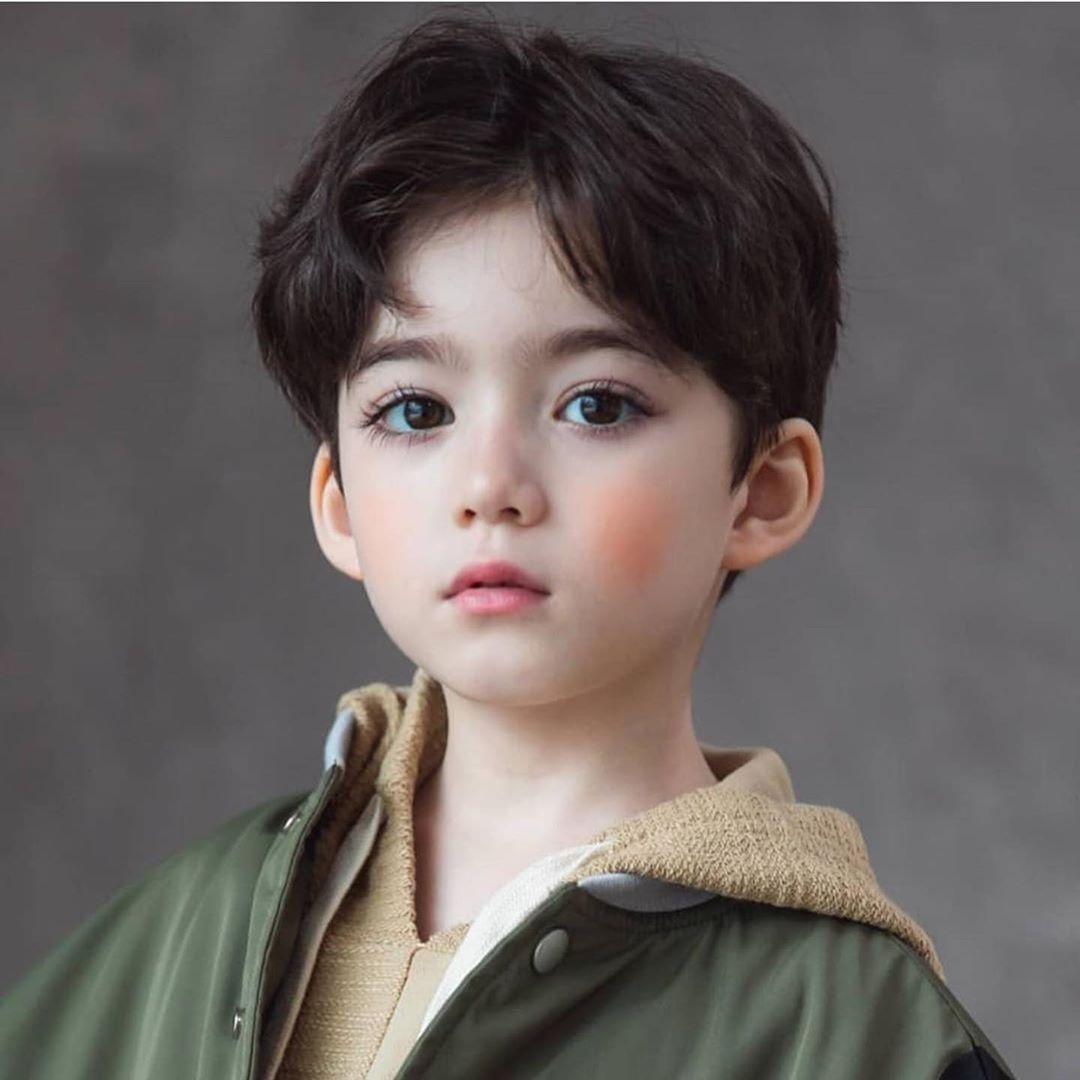 الطفل كوري كندي ماشاء الله مااحلاه رموشه وعيونه اكثر شي ملفت Fotografi Anak Gaya Bayi Gambar Bayi