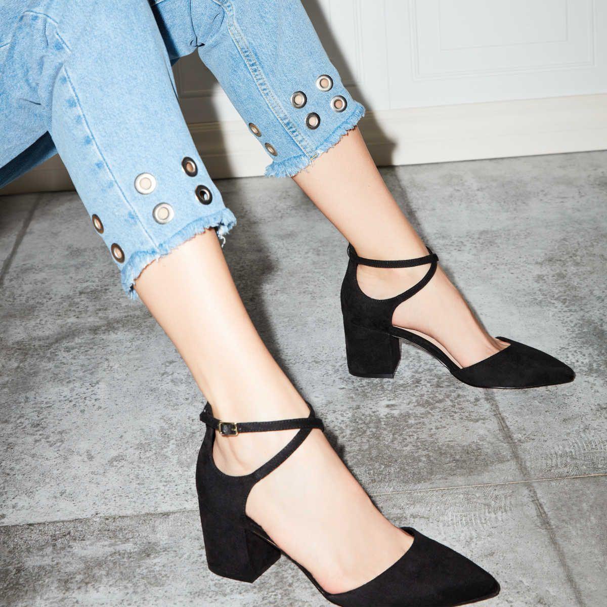 Black heels classy, Black shoes heels